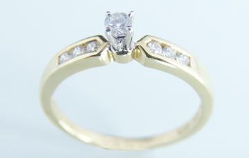 Precio de anillos de compromiso en costa rica